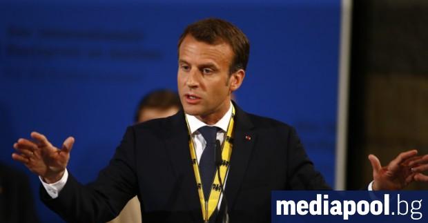 Еманюел Макрон по време на церемонията в Аахен Европейският съюз