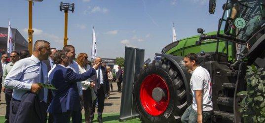 Европарите обновили селскостопанския парк с 10 хил. трактора и комбайна