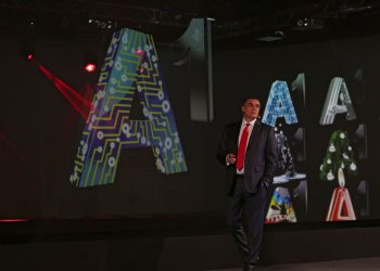 Мтел стана А1 и атакува финансовия пазар