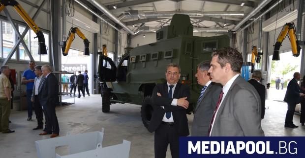 Заводът вече е произвел първите си машини Първият в България