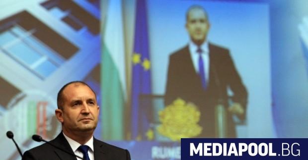 Румен Радев, сн. БГНЕС Обществените медии носят отговорност пред гражданите