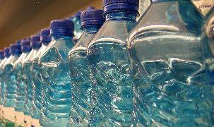 Бутилиращите вода ще ползват отново четвърт от РЕТ опаковките си