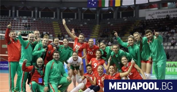 Снимка: Женският ни волейболен отбор се класира на полуфинал в Лима