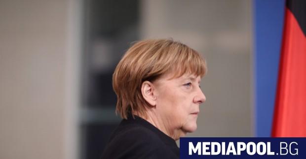 Снимка: Меркел не изключва посещение в Русия за Световното първенство по футбол