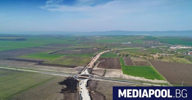 Спорното кръгово кръстовище край Ахелой Възможността да се изгради половин