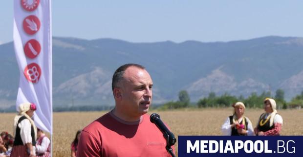 Порожанов откри жътвата край Сливен Над 88% от посевите с