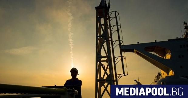 Членовете на Организацията на страните износителки на петрол (ОПЕК) обсъждат