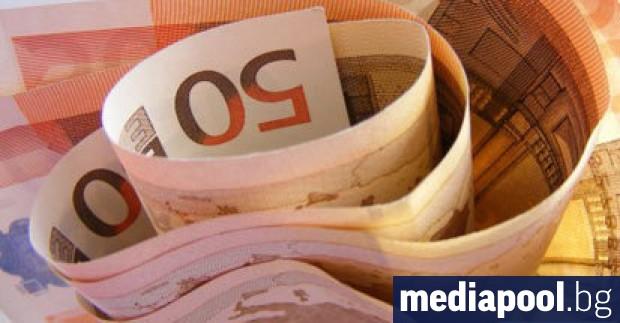 Българското общество остава разделено за въвеждането на еврото. 51% от