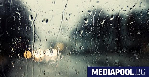 """""""Жълт"""" код за обилни дъждове е обявен за понеделник за"""