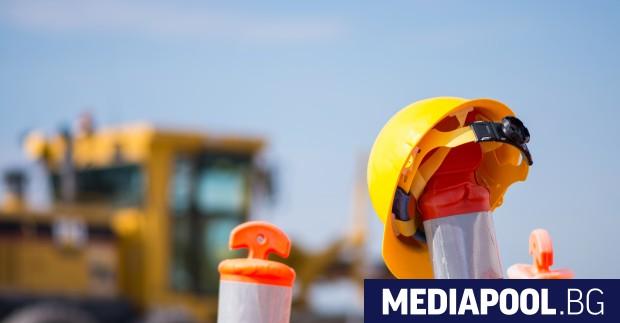Четири оферти е отворила пътната агенция в процедурата за строител