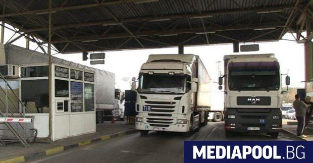Съюзът на международните превозвачи (СМП) заплаши Брюксел с блокада на
