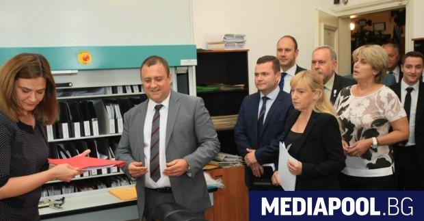 БСП внесе в деловодството на НС вота на недоверие срещу