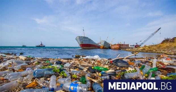 Снимка: Средиземно море е застрашено да стане море от пластмаса