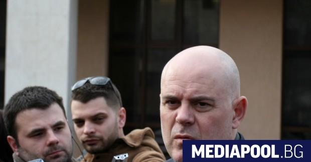 Снимка: Рапорт даден, рапорт- приет: Иван Гешев бе избран за заместник на Цацаров