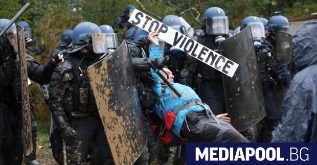 Френските органи на реда арестуваха тази нощ 11 инициатори на