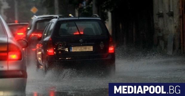 Дъждът завири някои части на София, сн. БГНЕС Разразилата се