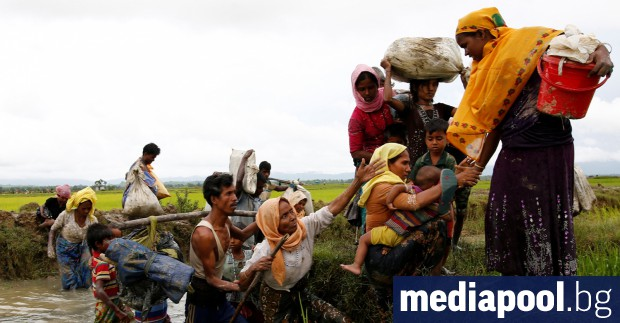 Мианмарската армия не е престанала да преследва рохингите, което е