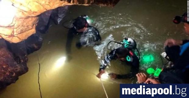 Водолаз загина по време на операцията по спасяване на блокираните