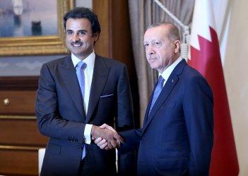 Обещаните от Катар 15 млрд. долара купуват време, но не решават проблемите на Турция