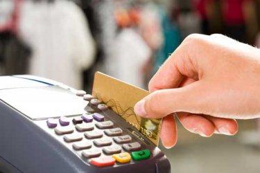 В чужбина българите плащат хотел и ресторант с кредитна карта