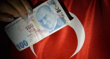 Турската централна банка вдигна силно водещата си лихва въпреки Ердоган