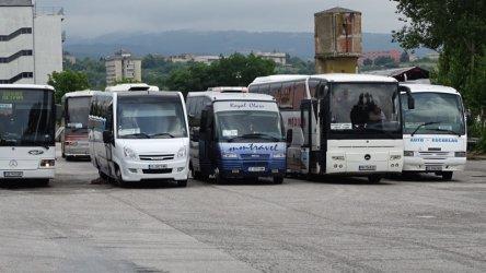Автобуси без колани няма да извършват превози
