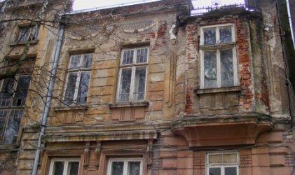 Проверява се поддръжката на ценните за културата сгради в центъра на София