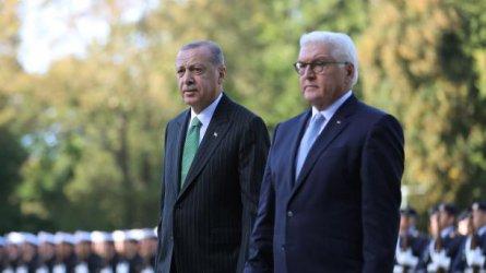 Ердоган и Щайнмайер кръстосаха шпаги за задържаните в Турция германски граждани
