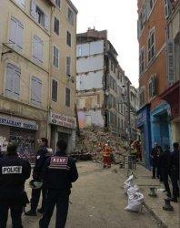 Две сгради рухнаха в Марсилия, най-малко двама ранени