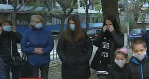 Деца от Русе ходят с маски на училище заради мръсния въздух