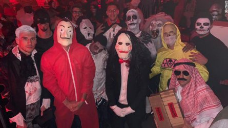 """""""Байрен"""" Мюнхен обвинени в расизъм заради снимка от Хелоуин парти"""