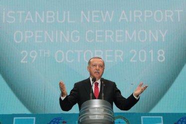 Истанбул откри ново летище с амбиция да стане най-голямото в света