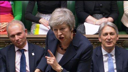 Политическа криза може да отвее Тереза Мей и сделката й за Брекзит