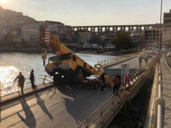 Основен мост в гръцкия град Кавала се е срутил