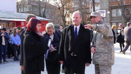 Американският посланик откри обновено училище в Пловдив