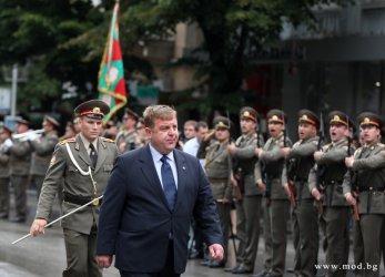 Армията затъва все повече в кадрови колапс