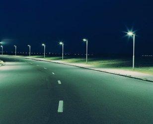Как стълб на уличната лампа може да помогне на градовете ни да се захранват с енергия