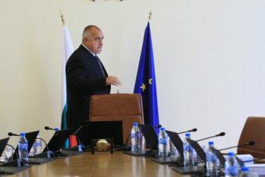 Управленската конструкция вече не държи, но Борисов все още не иска избори