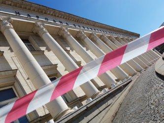 Децата на пътния шеф ще ремонтират Националната библиотека