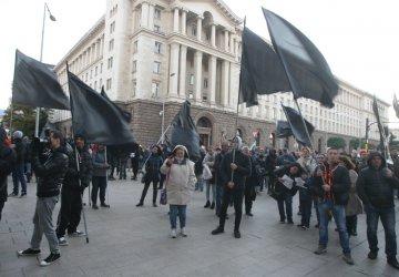 Вътрешният министър: На протестите има и хора, които търсят конфронтация с полицаите