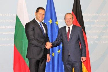 България обменя опит с Германия за контрола на горивата