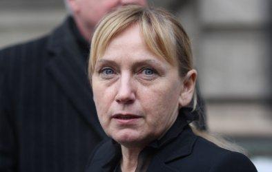 Елена Йончева извади уличаващ документ за пътя до Своге