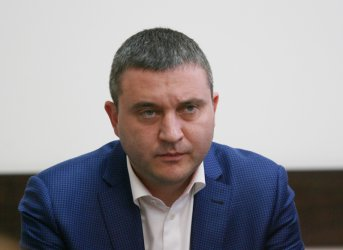 Горанов взел безплатното жилище, защото децата му се уплашили от труса край Перник