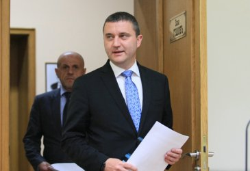 Прокуратурата ще чака КПКОНПИ да реши в конфликт на интереси ли е Горанов