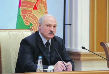 """""""Независимая газета"""": Русия притиска Беларус да влезе в нов Съветски съюз"""
