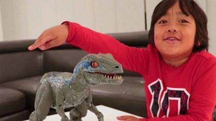 Седемгодишно американче спечели 22 млн. долара от YouTube