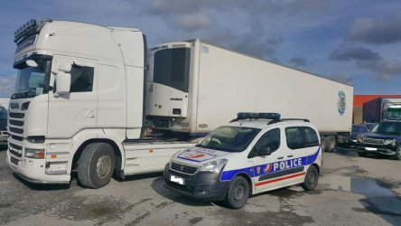 Български гражданин е задържан в Белгия за трафик на мигранти към Великобритания