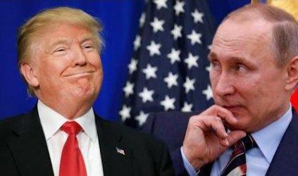 Подозренията за сговор на Тръмп с Путин изведоха преводачите от обичайната им сянка