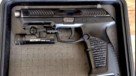 """Руската полиция и армия сменят легендарния """"Макаров"""" с ултра функционален пистолет"""