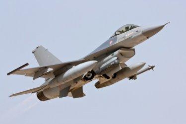 Кабинетът предложи преговори за F-16 и очаква САЩ да свалят цената